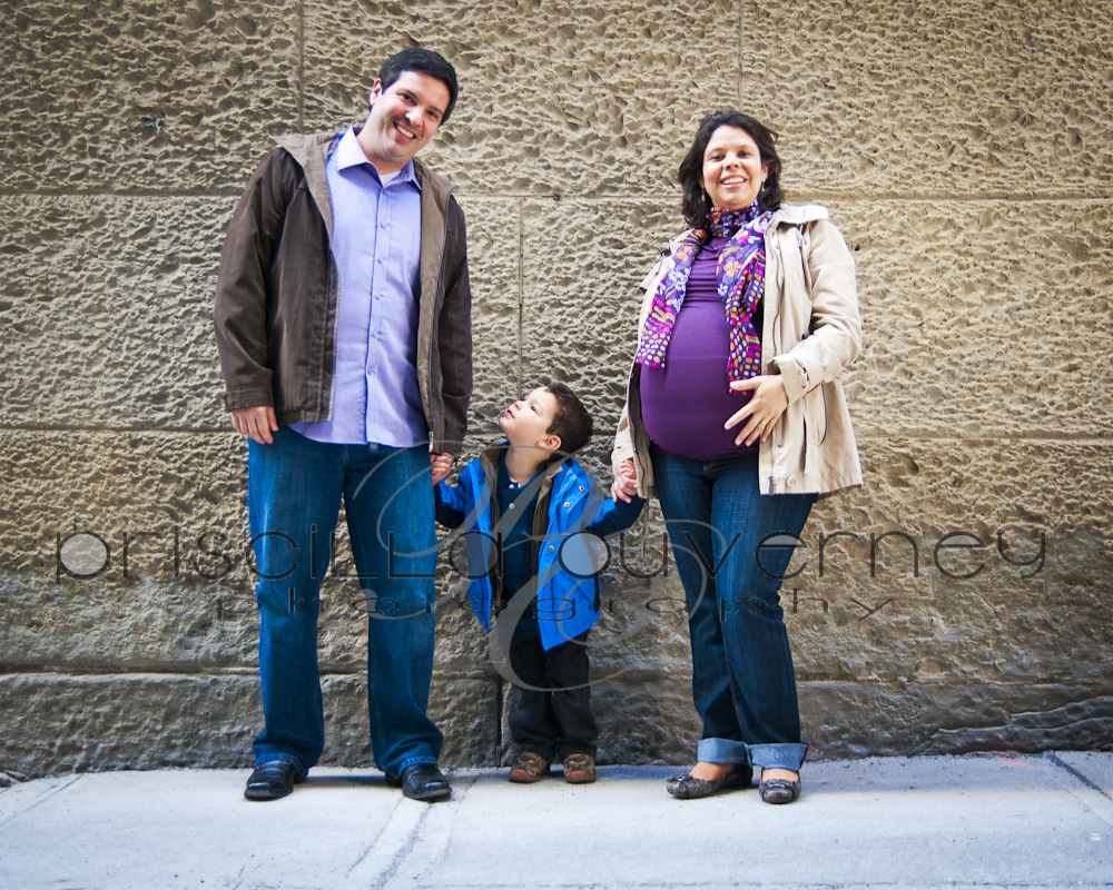 | Montreal Maternity Photographer | – Family F. - Happy moments in downtown Montreal (4/5)