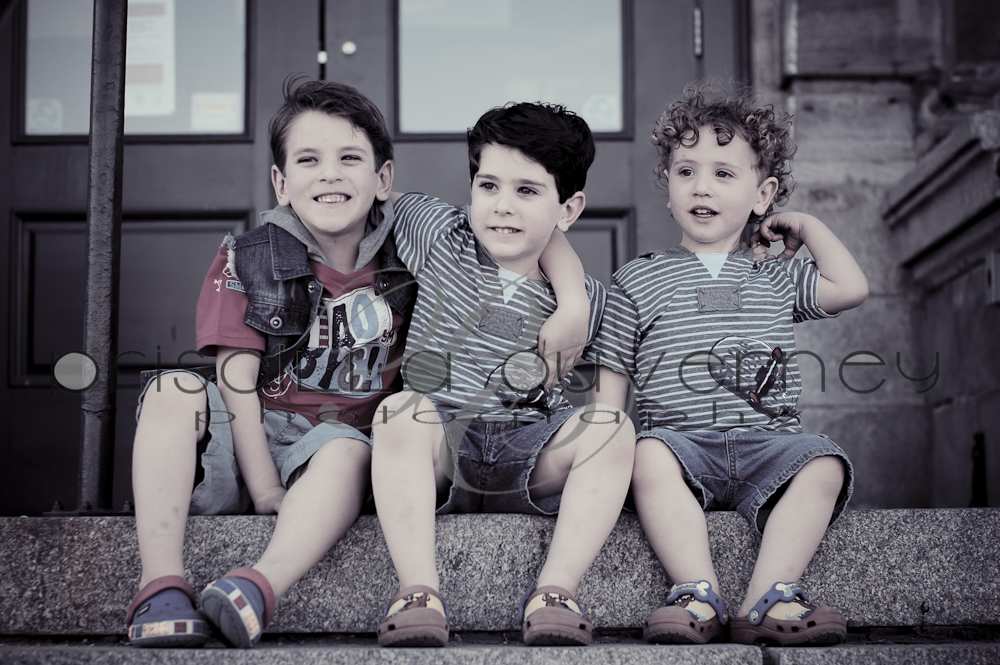 | Montreal Children Photographer | – Three handsome little guys plus their gorgeous mother! (1/6)