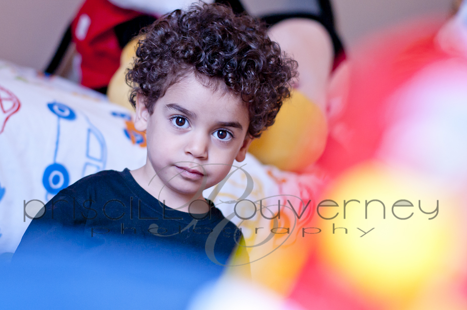 | Montreal Family Photographer | – Neither the rain can stop our fun! Family S. portrait session! (1/6)