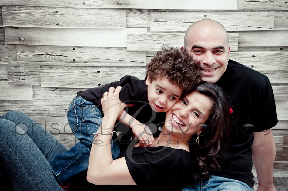 | Montreal Family Photographer | – Neither the rain can stop our fun! Family S. portrait session! (2/6)